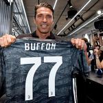 Buffon từ chối áo số 1 và băng thủ quân Juventus