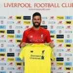 Phí môi giới cầu thủ của Man Utd bằng một nửa Liverpool