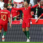 Ronaldo ghi bàn ở 10 giải liên tiếp cùng Bồ Đào Nha
