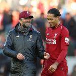 Van Dijk: 'Man Utd cần tự cứu mình chứ không phải giúp Liverpool'