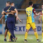 HLV Hà Nội bị cấm chỉ đạo trong trận gặp HAGL