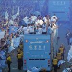 Man City diễu hành mừng cú ăn ba