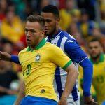 Brazil mất Arthur ở trận khai mạc Copa America