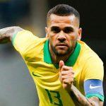 Dani Alves trở lại Brazil, khoác áo số 10