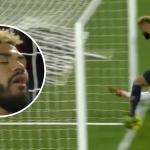 Tiền đạo PSG cản bàn thắng của đồng đội trên vạch vôi