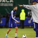Fabregas: 'Sarri rất mê tín và bảo thủ'