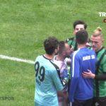 Cầu thủ bị cáo buộc mang dao cạo vào sân ở Thổ Nhĩ Kỳ