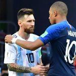 Trung vệ Lyon: 'Kèm Mbappe khó hơn Messi'
