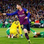 Messi lập hat-trick, Barca bỏ xa hai đội thành Madrid