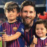Con trai Messi mừng bàn thắng của Real