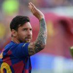 Messi dính chấn thương ngay ngày đầu tập lại với Barca