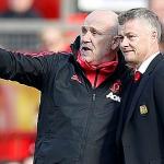 Mike Phelan làm trợ lý HLV Man Utd