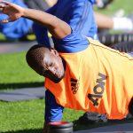 Man Utd bị ví như mớ hỗn độn từ khi có Pogba