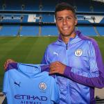 Tân binh đắt giá nhất của Man City châm chọc Man Utd