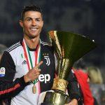 Cahill: 'Ronaldo xứng đáng giành Quả Bóng Vàng hơn Messi'