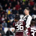 Ronaldo lại vượt Messi sau khi chạm mốc 600 bàn