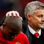 CĐV Man Utd muốn tống khứ Young, Jones và Smalling