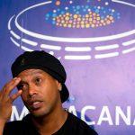 Ronaldinho bị phong tỏa 57 bất động sản, thu hộ chiếu