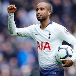 Moura ghi hat-trick, Tottenham trở lại top 3