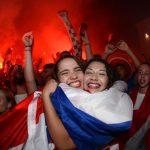 CĐV vỡ òa vì chiến thắng của Croatia