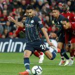 Mahrez đá hỏng phạt đền, Man City lỡ cơ hội đánh bại Liverpool