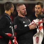 Rooney bị vỡ mũi trong ngày ghi bàn đầu tiên trên đất Mỹ
