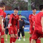 Tuyển Việt Nam tập buổi đầu tại UAE