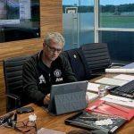 Man Utd dọn sạch đồ của Mourinho trong 15 phút