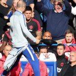 Trợ lý của Sarri bị truy cứu vì châm chọc Mourinho