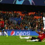 Man Utd thua Valencia, an phận nhì bảng Champions League