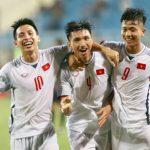 Đoàn Văn Hậu khoác áo cả U19 lẫn tuyển Việt Nam