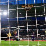 CĐV Ngoại hạng Anh lo âu khi La Liga sắp thi đấu ở nước ngoài
