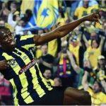 'Tia chớp' Bolt lập cú đúp ngay lần đầu đá chính cho CLB ở Australia