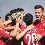 Bão Usagi khiến tuyển Việt Nam phải đổi kế hoạch chuẩn bị cho bán kết AFF Cup