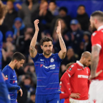 Chelsea chia tay Fabregas bằng chiến thắng Cup FA