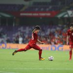 Fox Sports so sánh cú sút phạt của Quang Hải với Messi