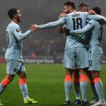 Giroud giúp Chelsea thẳng tiến ở Europa League