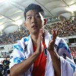 Son Heung-min chơi tám trận trong 26 ngày