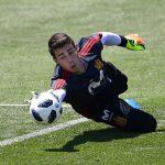 Chelsea chuẩn bị phá kỷ lục chuyển nhượng thế giới về mua thủ môn