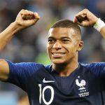 CĐV Real muốn Mbappe về thay Ronaldo, đánh giá thấp Neymar