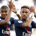 Neymar phải vỗ tay cảm ơn CĐV để nhận thưởng gần nửa triệu đôla