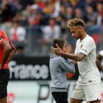 Neymar bảo vệ CĐV nhí khỏi các nhân viên an ninh