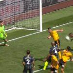 Guardiola coi nhẹ pha ghi bàn bằng tay vào lưới Man City