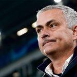 Mourinho phớt lờ cách biệt điểm số trước derby Manchester