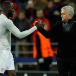 Lukaku muốn cầu thủ Man Utd tiếp thu chỉ trích của Mourinho