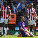 Stoke xuống hạng sau 10 năm ở Ngoại hạng Anh