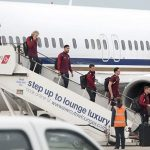 Liverpool lặng lẽ trở về Anh sau chung kết Champions League