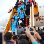 U23 Việt Nam trở về giữa biển người chào đón