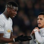 Carragher: 'Pogba và Sanchez chỉ như trẻ con đá bóng'