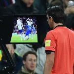 Graham Poll: 'Trọng tài đúng khi cho Italy hưởng phạt đền'